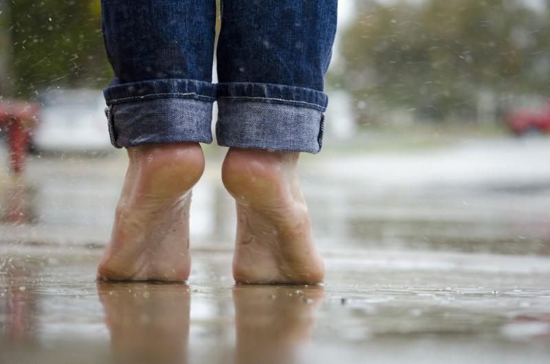 Kaj vse vam lahko sporočajo vaša stopala